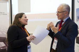 Bjørn Hvinden talking to a Swedish journalist